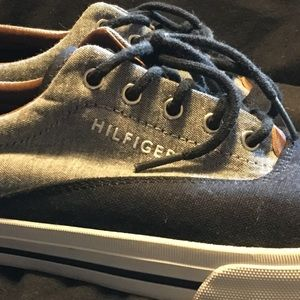 Tommy Hilfiger   canvas tennis shoe mens 11